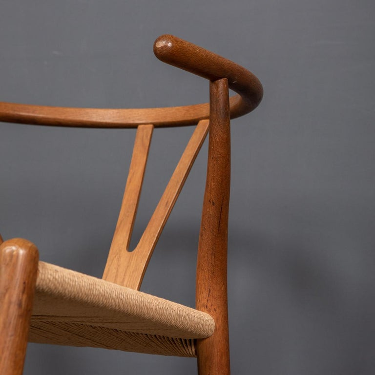 20th Century Four Wishbone Dining Chairs by Hans J Wegners, circa 1960 For Sale 5