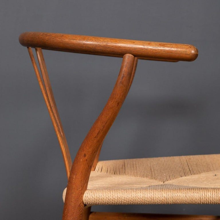 20th Century Four Wishbone Dining Chairs by Hans J Wegners, circa 1960 For Sale 6