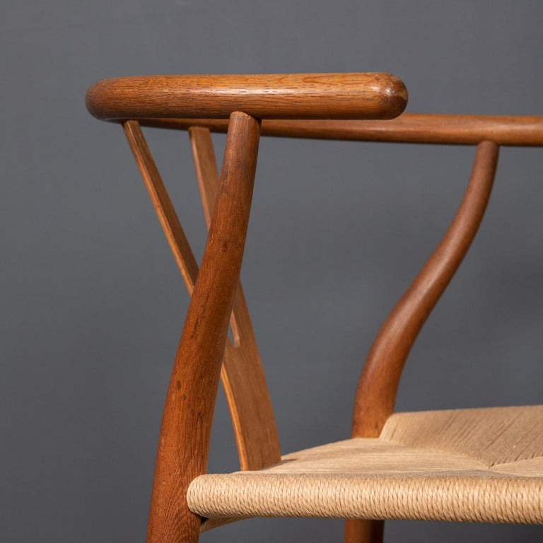 20th Century Four Wishbone Dining Chairs by Hans J Wegners, circa 1960 For Sale 7