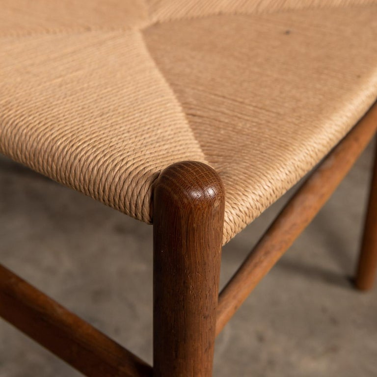 20th Century Four Wishbone Dining Chairs by Hans J Wegners, circa 1960 For Sale 11