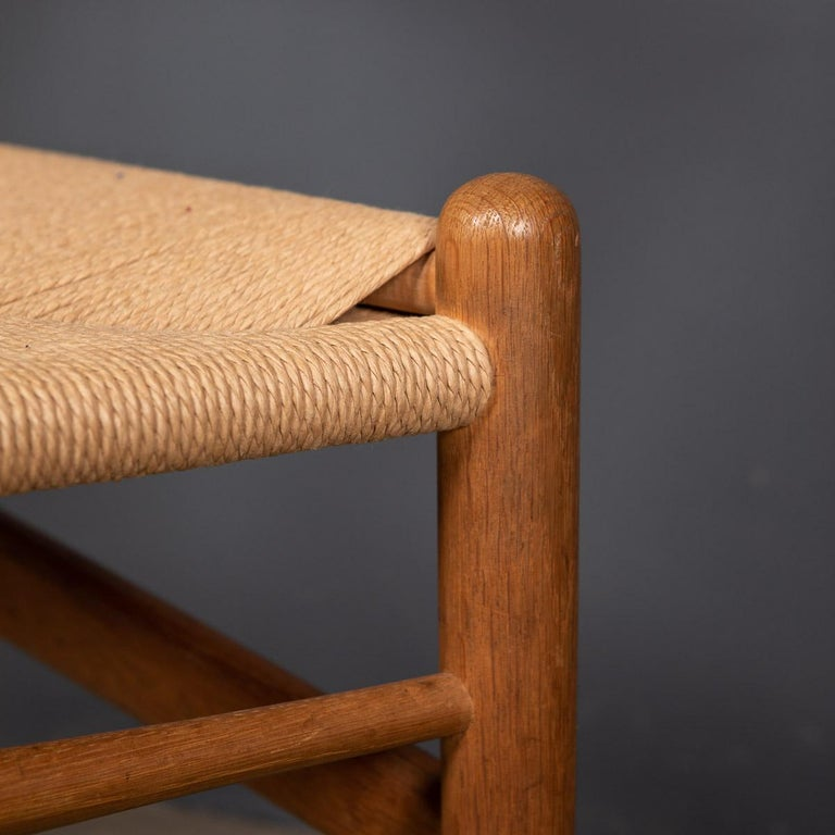 20th Century Four Wishbone Dining Chairs by Hans J Wegners, circa 1960 For Sale 13