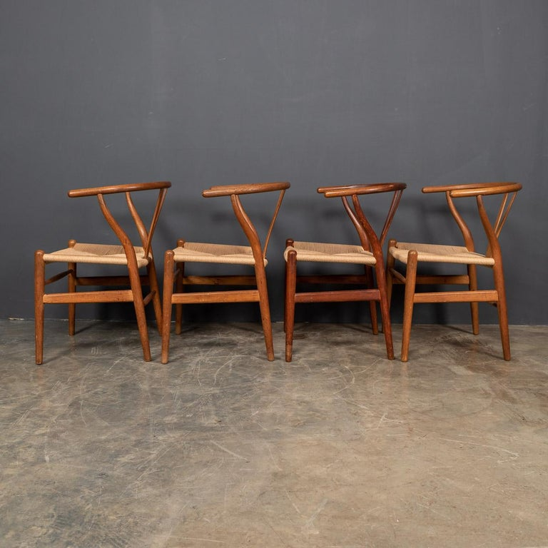 20th Century Four Wishbone Dining Chairs by Hans J Wegners, circa 1960 In Good Condition For Sale In London, London