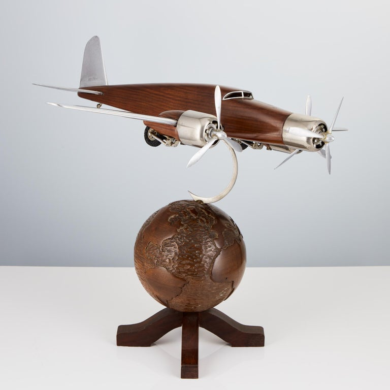 20th Century French Art Deco Model of an Aircraft on a World Globe, circa 1930 In Good Condition For Sale In London, GB