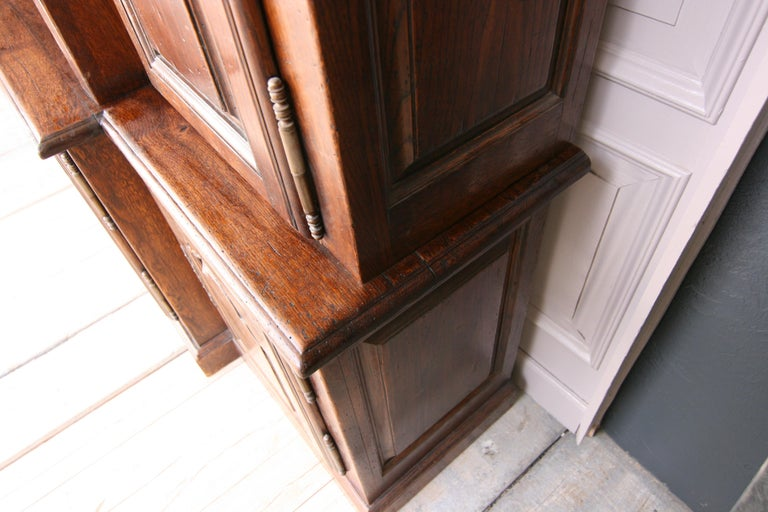 20th Century French Bookcase Cabinet Made of Oak For Sale 9