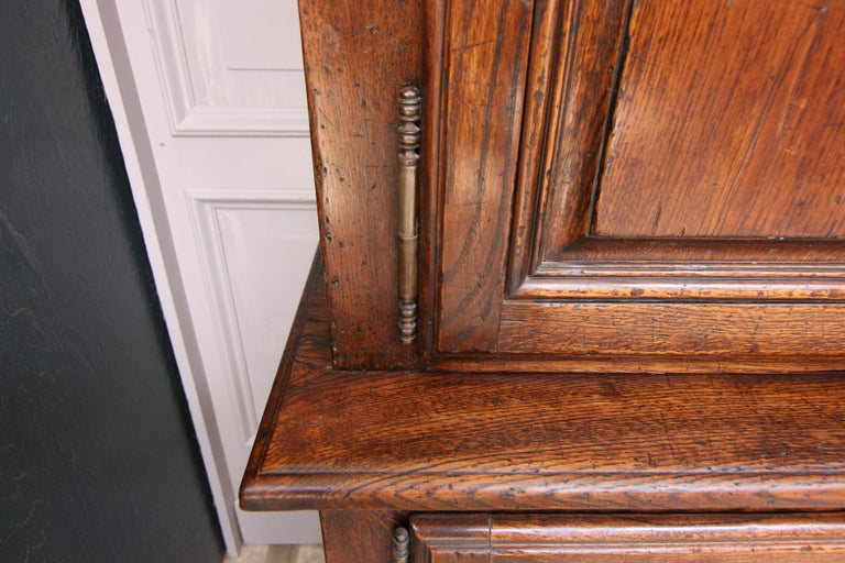 20th Century French Bookcase Cabinet Made of Oak For Sale 13