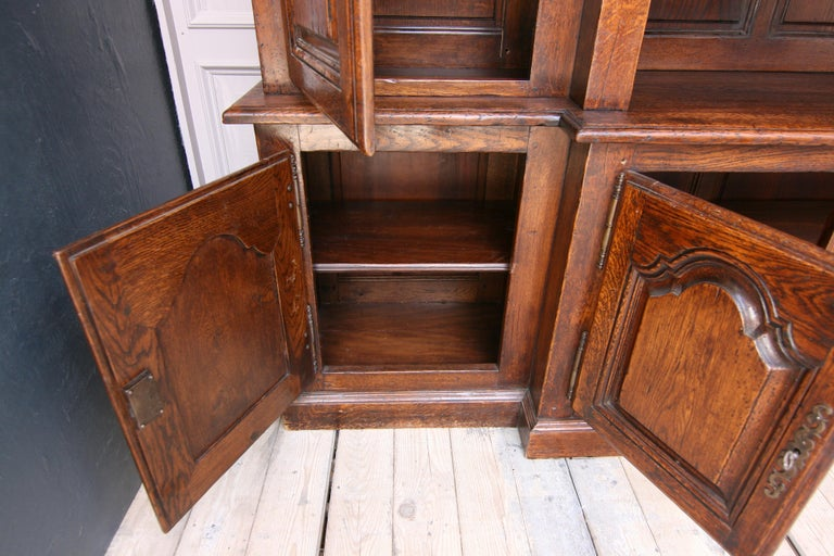 20th Century French Bookcase Cabinet Made of Oak For Sale 5