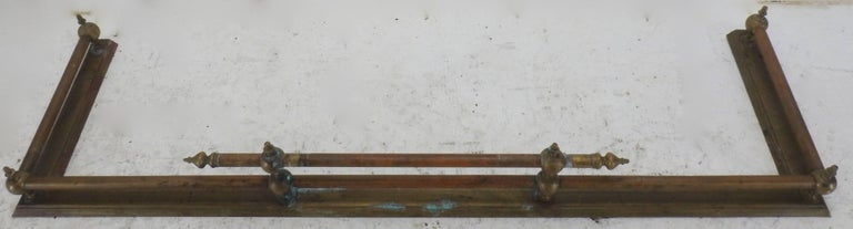 20th Century French Brass Fireplace Fender In Good Condition For Sale In Cookeville, TN