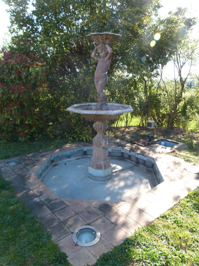 20th Century Cast Iron French Fountain For Sale 2