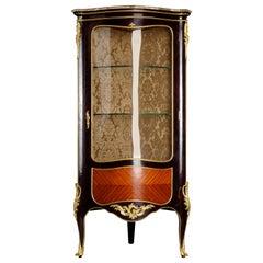 20th Century French Corner Vitrine in the Style of Louis XV Bois-Satine Veneer