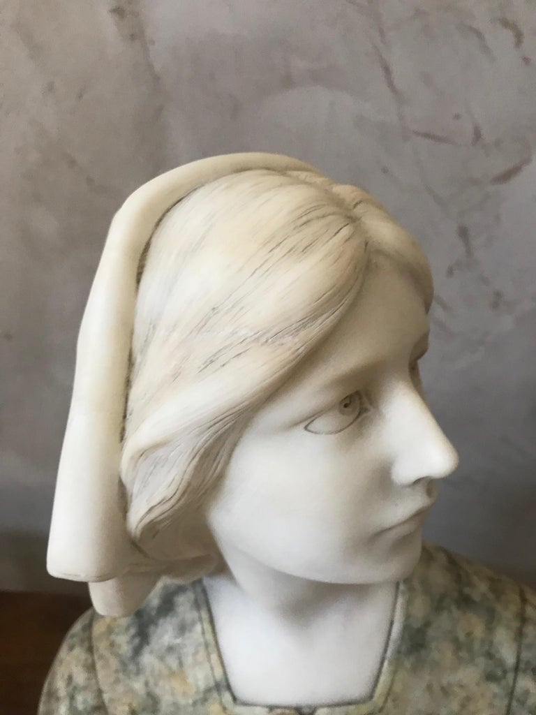 20th Century French Marble Woman Bust, 1920s For Sale 6