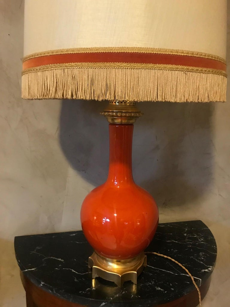 20th Century French Orange Opaline Glass and Brass Table Lamp, 1920s In Good Condition For Sale In LEGNY, FR