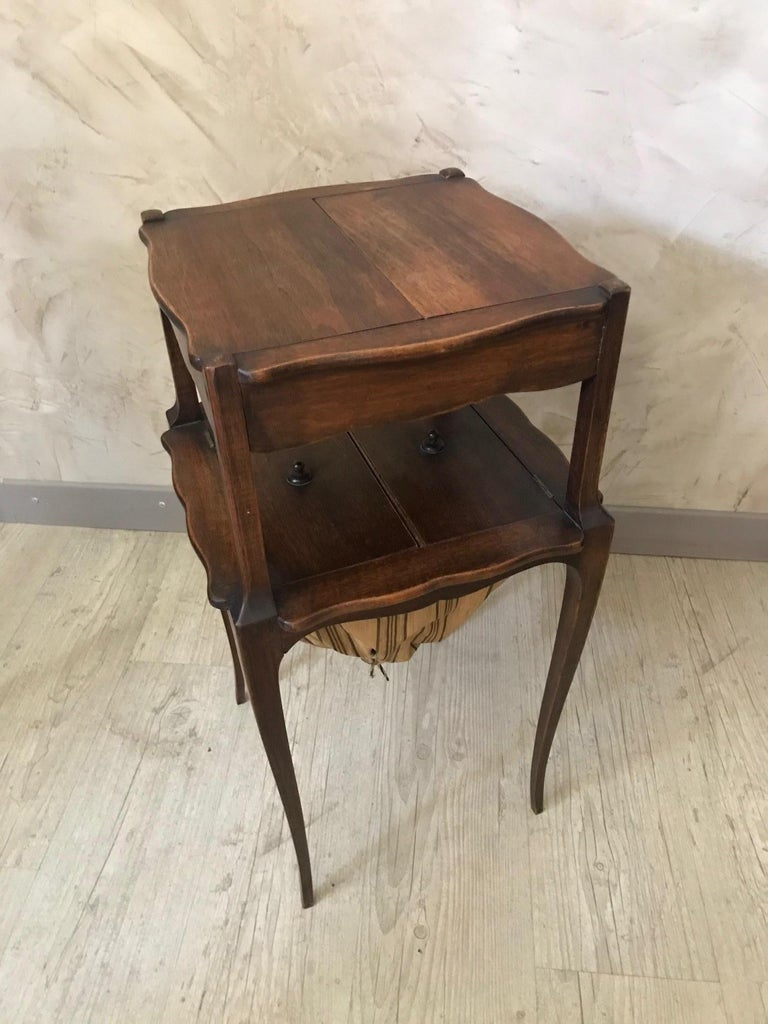 20th Century French Walnut Sewing Table, 1920s In Good Condition For Sale In LEGNY, FR