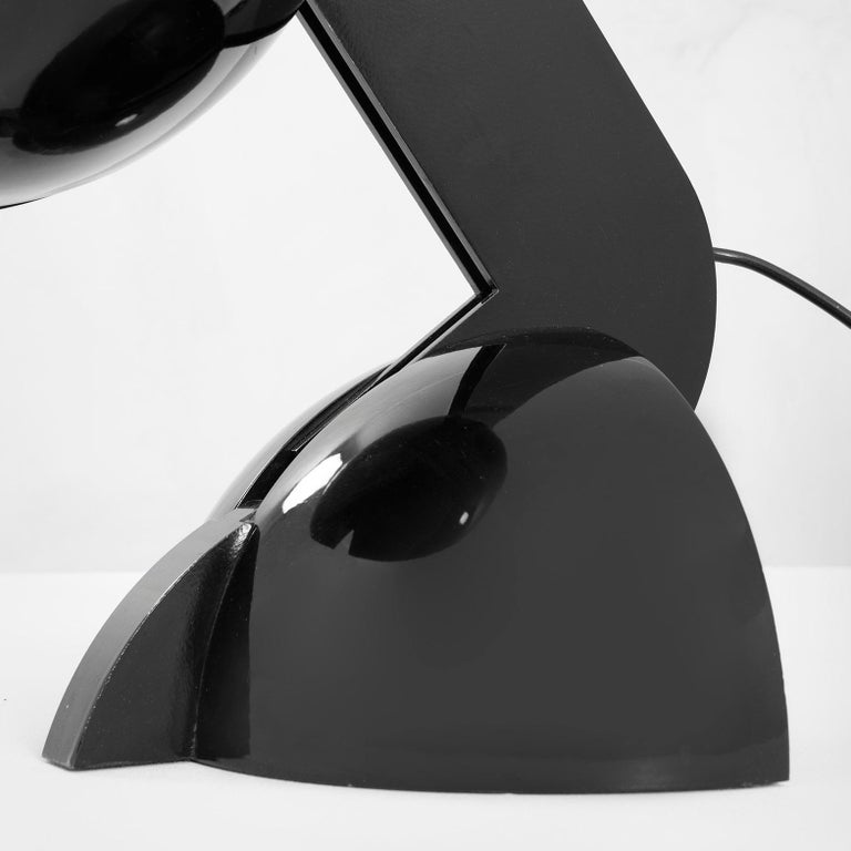 Italian 20th Century Gae Aulenti Table Lamp Mod. La Ruspa for Martinelli in Aluminium For Sale