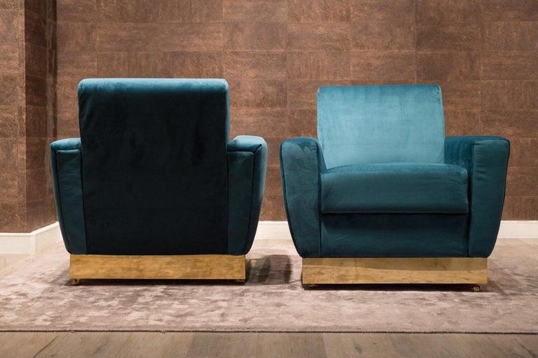 Mid-Century Modern 20th Century Geometrical Italian Blue Velvet and Brass Pair of Armchairs For Sale