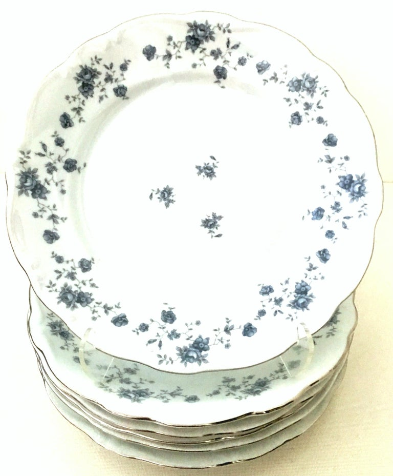 20th Century German Porcelain & Platinum Dinnerware Set of 18 by Johann Haviland In Good Condition For Sale In West Palm Beach, FL