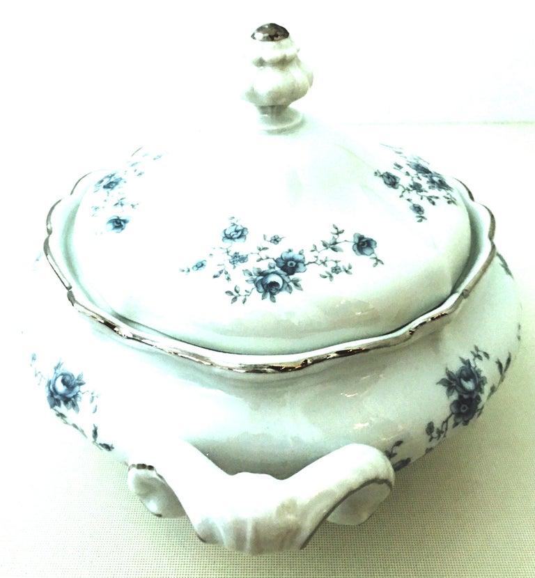 Victorian 20th Century German Porcelain & Platinum Dinnerware Set of 21 by Johann Haviland For Sale