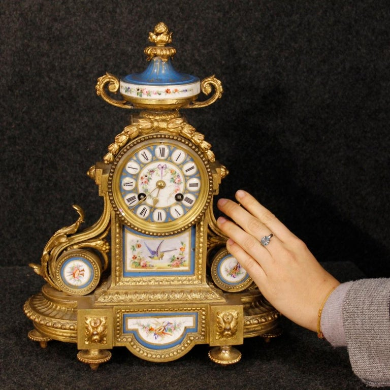 20th Century Gilded Bronze and Brass with Painted Ceramic French Clock, 1950 For Sale 8