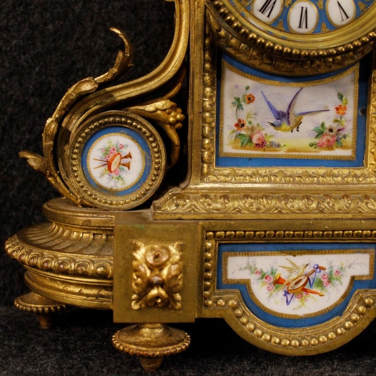 20th Century Gilded Bronze and Brass with Painted Ceramic French Clock, 1950 For Sale 4
