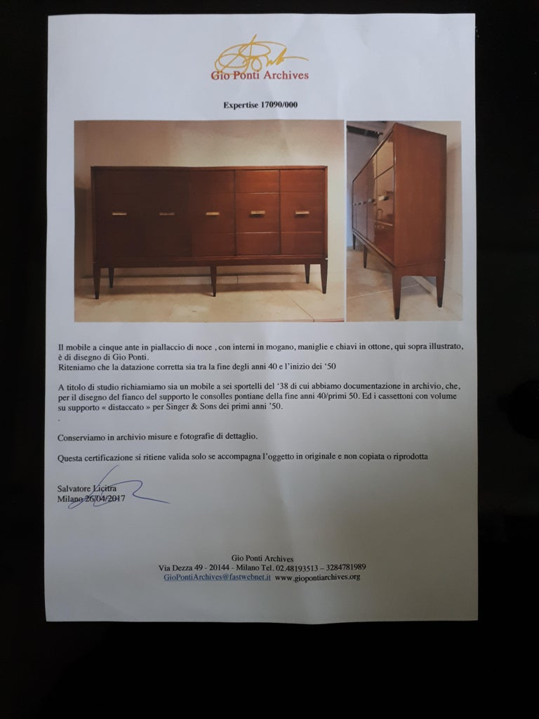 Gio Ponti Five Doors Sideboard in Walnut Veneer and Mahogany for Singer Son For Sale 1