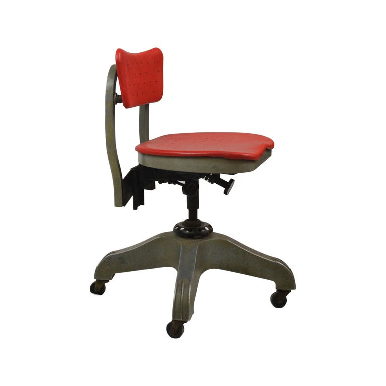 Italian 20th Century Gio Ponti Swivel Chair for Montecatini Office for Kardex For Sale