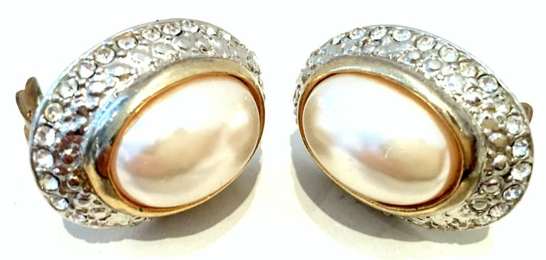 20th Century Givenchy Style Pair Of Austrian Crystal & Faux Pearl Earrings For Sale 2