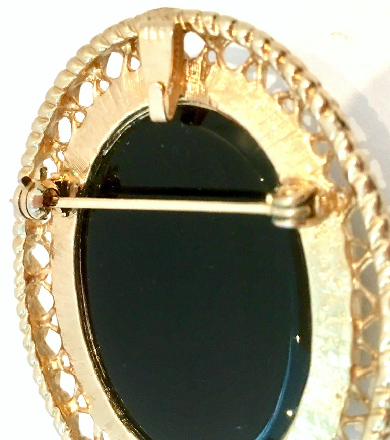 20th Century Gold Cut Glass Cameo Brooch & Necklace Pendant For Sale 3