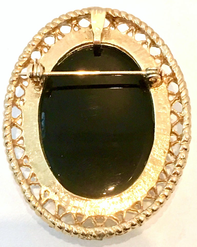 20th Century Gold Cut Glass Cameo Brooch & Necklace Pendant For Sale 4