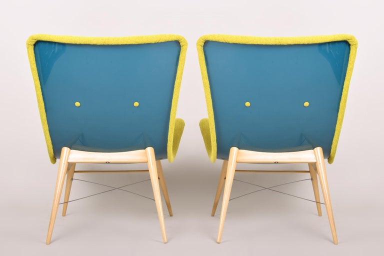 Fabric 20th Century, Green Pair of Beech Armchairs, Czechia, 1950s, Completely Restored For Sale