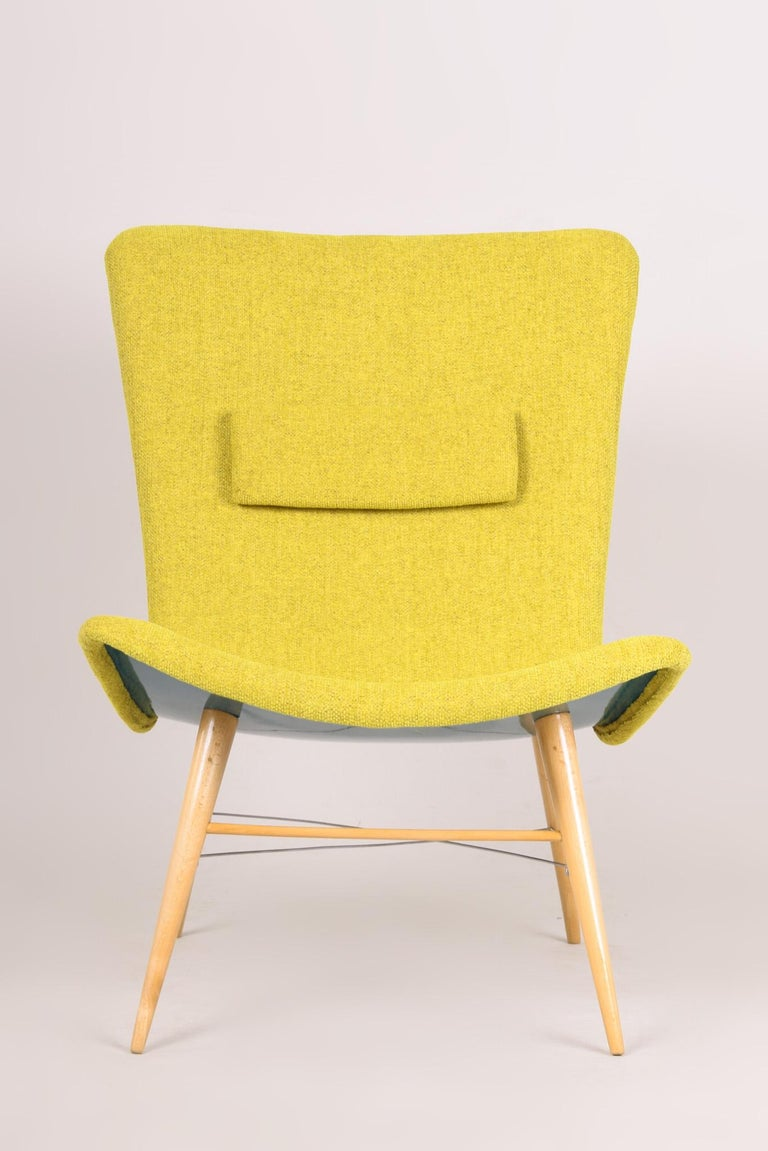 20th Century, Green Pair of Beech Armchairs, Czechia, 1950s, Completely Restored For Sale 3