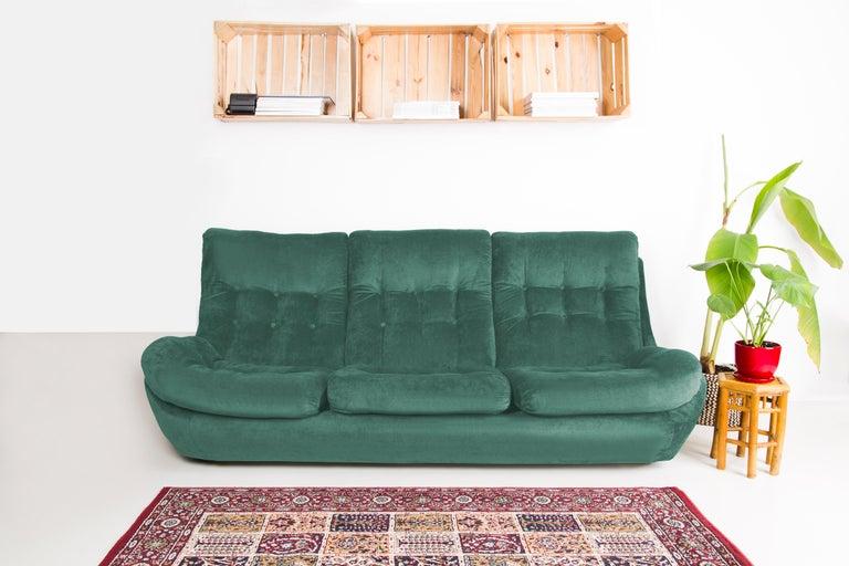 20th Century Green Velvet Atlantis Sofa, 1960s For Sale 1