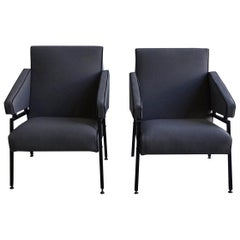 20th Century Grey Italian Armchairs in the Style of Mobilificio Oscar Gigante