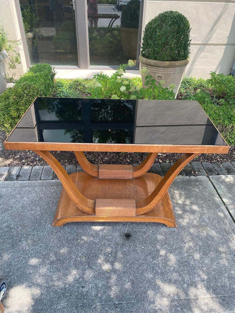 20th Century Hollywood Regency Mahogany Console with Inset Black Mirror Glass In Good Condition For Sale In Atlanta, GA