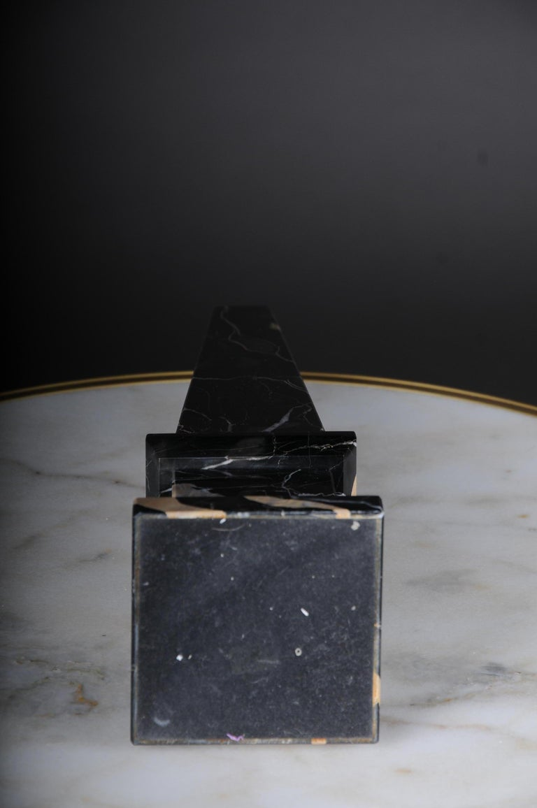 20th Century Imposing Black Marble Obelisk, Neoclassicism Style For Sale 6