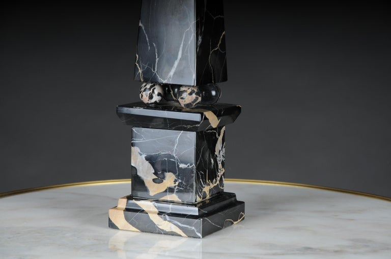 20th Century Imposing Black Marble Obelisk, Neoclassicism Style For Sale 1