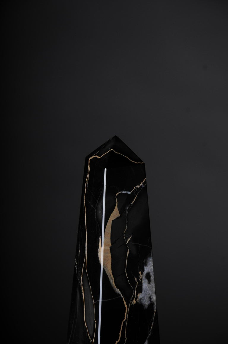 20th Century Imposing Black Marble Obelisk, Neoclassicism Style For Sale 4