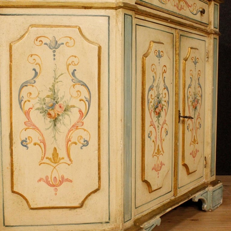 20th Century Painted and Gilded Wood Venetian Sideboard, 1970 For Sale 5