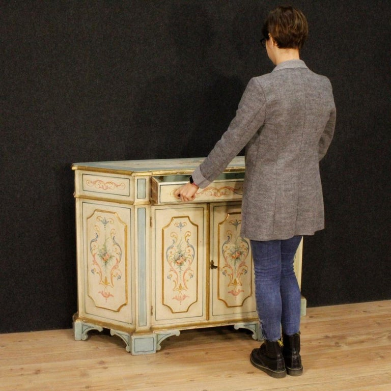20th Century Painted and Gilded Wood Venetian Sideboard, 1970 In Good Condition For Sale In Vicoforte, Piedmont