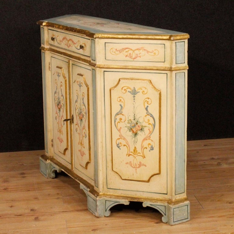 20th Century Painted and Gilded Wood Venetian Sideboard, 1970 For Sale 2