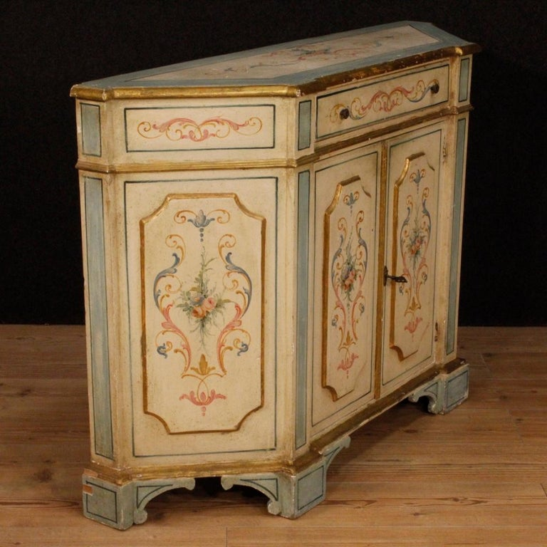 20th Century Painted and Gilded Wood Venetian Sideboard, 1970 For Sale 3
