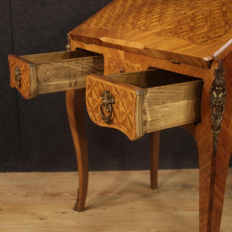 20th Century Inlaid Rosewood Walnut Mahogany Fruitwood French Bureau, 1950 In Good Condition For Sale In Vicoforte, Piedmont