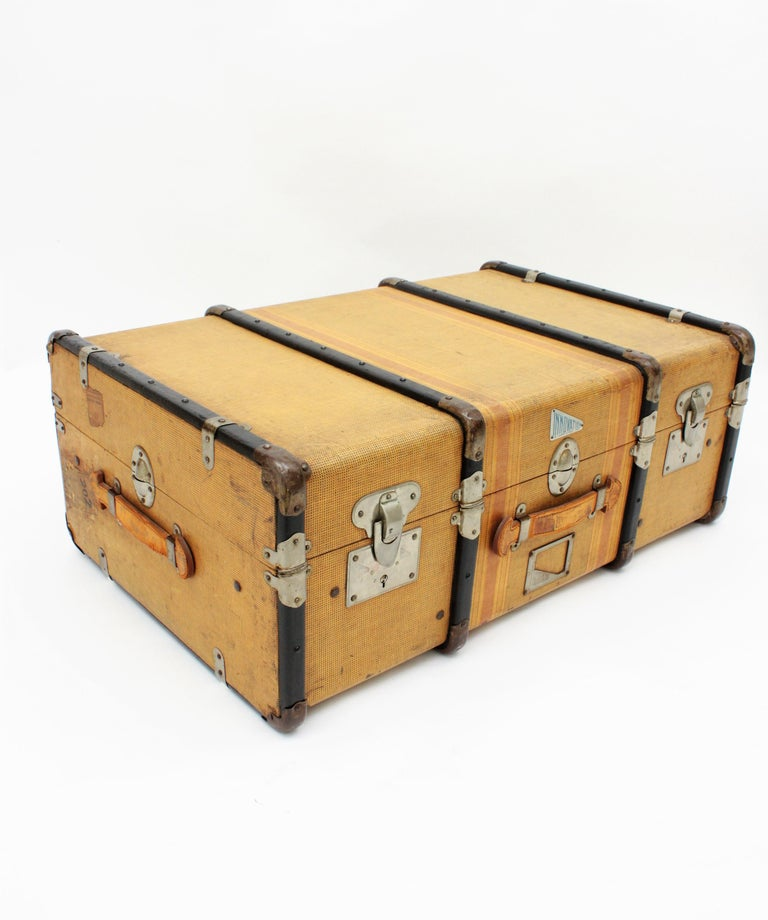 20th Century Innovation Cabin Travel Trunk, France, 1940s In Good Condition For Sale In Barcelona, ES