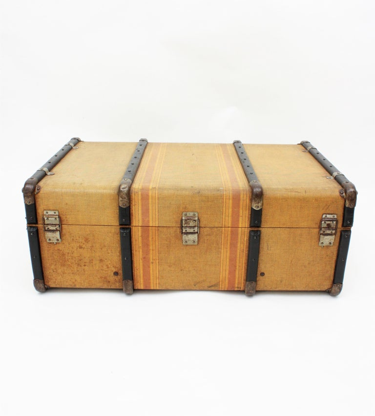 20th Century Innovation Cabin Travel Trunk, France, 1940s For Sale 6