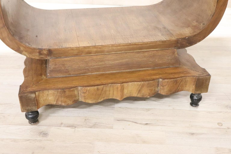 20th Century Italian Art Deco Walnut Burl Dining Table or Center Table In Excellent Condition For Sale In Bosco Marengo, IT