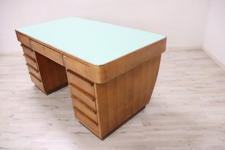 20th Century Italian Art Deco Writing Desk in Walnut Veneered and Glass Top For Sale 1