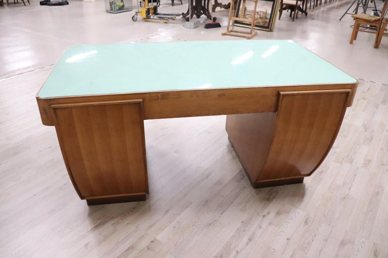 20th Century Italian Art Deco Writing Desk in Walnut Veneered and Glass Top For Sale 3