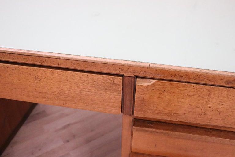 20th Century Italian Art Deco Writing Desk in Walnut Veneered and Glass Top For Sale 4