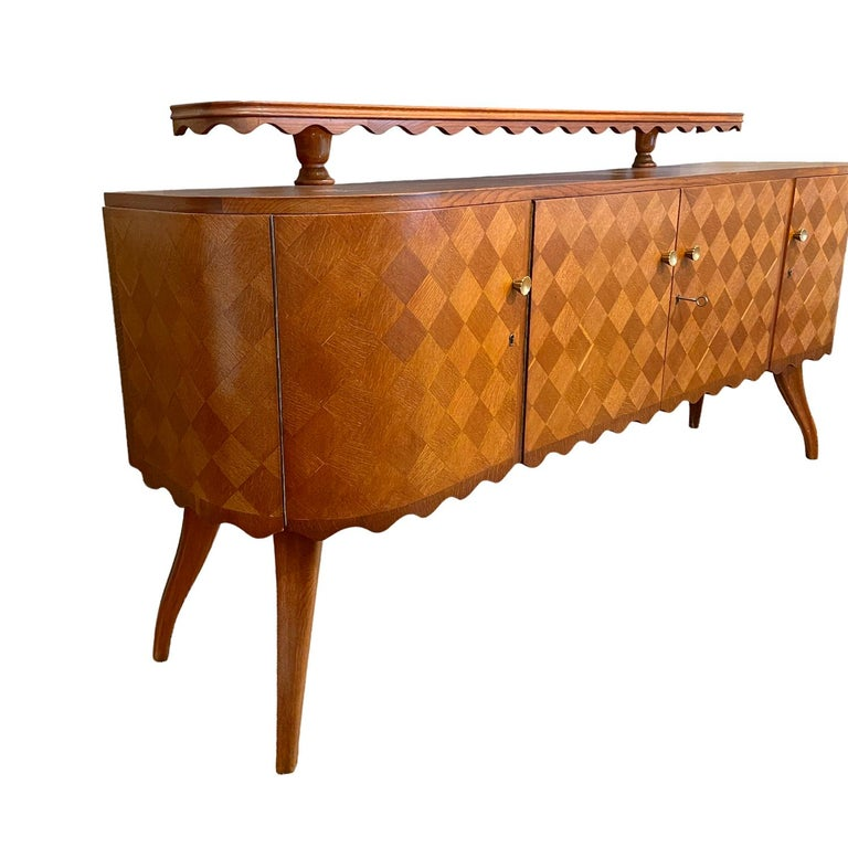 20th Century Light-Brown Italian Credenza - Oakwood Sideboard by Paolo Buffa In Good Condition For Sale In West Palm Beach, FL