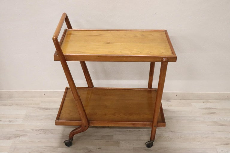 Rare drinks trolley Italian design by Paolo Buffa produced in Italy in the 1940s, It is made of beech wood. The table have been used conditions. We can provide in our Italian professional laboratories for the complete restoration of wood. You can