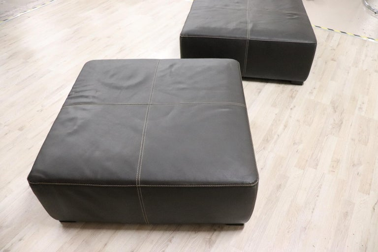 20th Century Italian Design Pair of Large Pouf in Black Leather For Sale 1