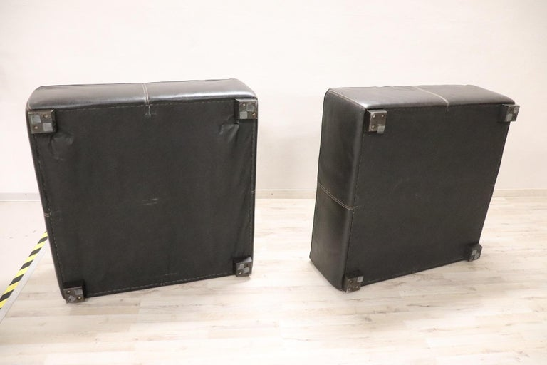 20th Century Italian Design Pair of Large Pouf in Black Leather For Sale 2